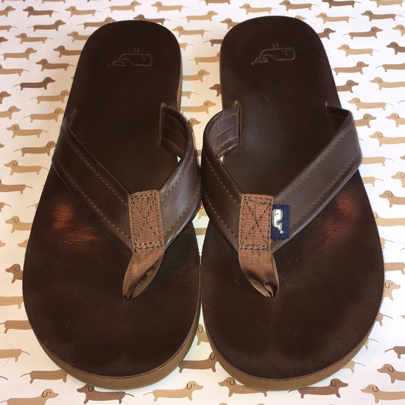 f4717a40cfeb Vineyard Vines 11 Men s leather flip-flop sandal. M 5b5330d98ad2f9b122206507